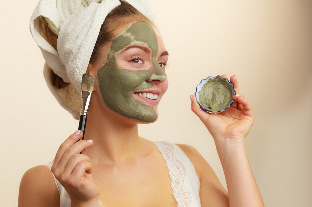 Skin Care Benefits of Applying Clay Mask